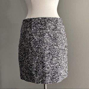 Tahari Static Tweed Pencil Skirt   Size 8